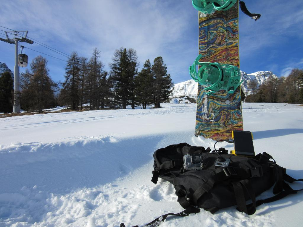 WakaWaka Power+ Snowboard